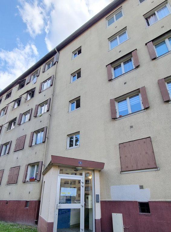 Appartement à louer 4 67m2 à Drancy vignette-1