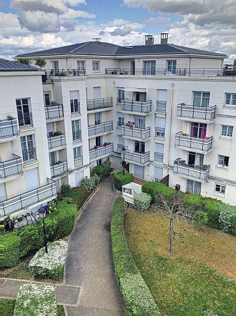 Appartement à louer 3 54m2 à Le Bourget vignette-1