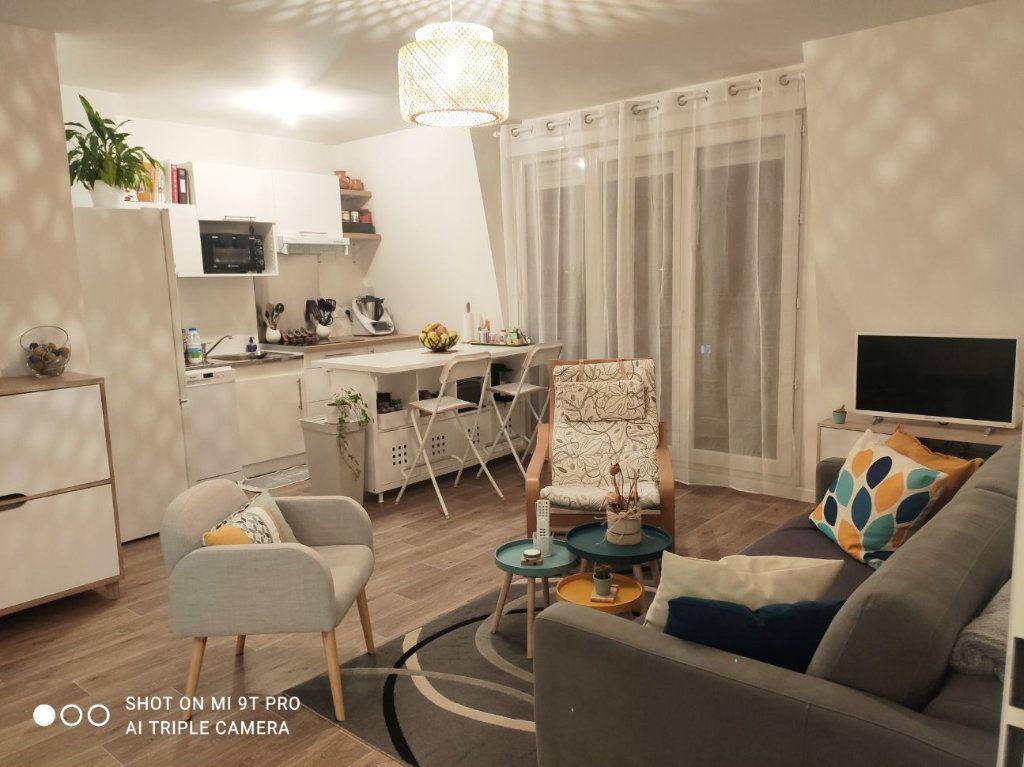 Appartement à louer 2 44m2 à Le Blanc-Mesnil vignette-1