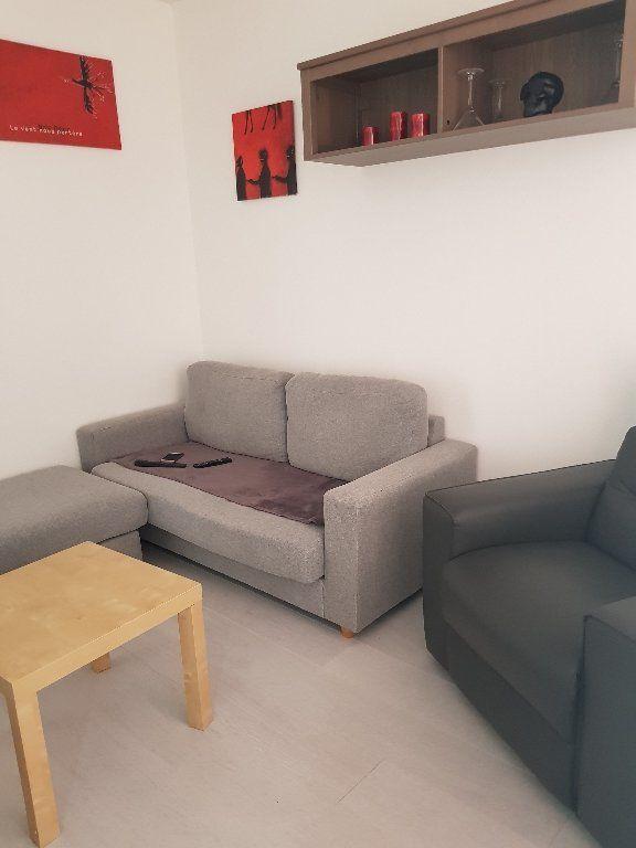 Appartement à louer 2 30m2 à Drancy vignette-2