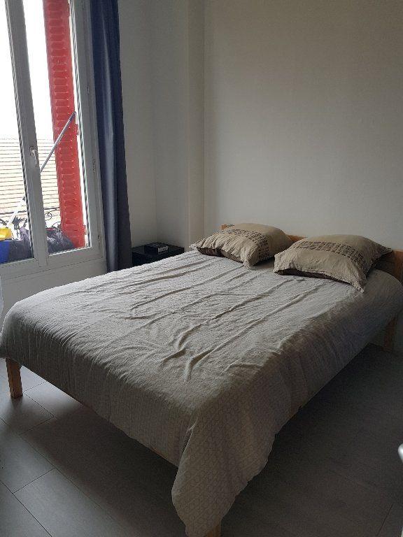 Appartement à louer 2 30m2 à Drancy vignette-4