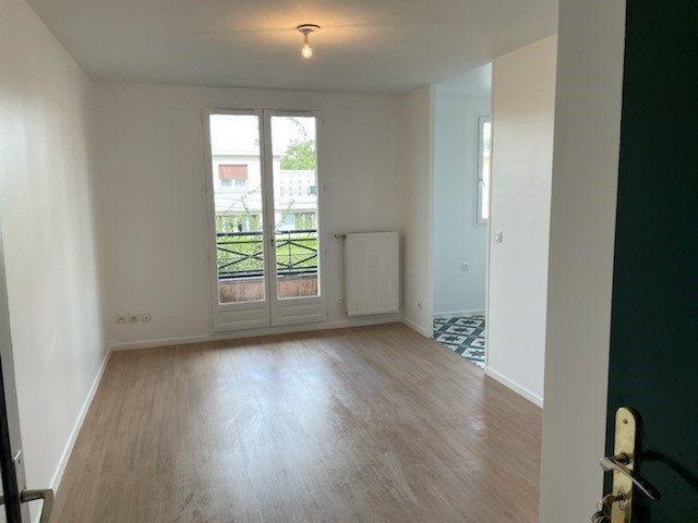 Appartement à louer 1 22m2 à Le Blanc-Mesnil vignette-1