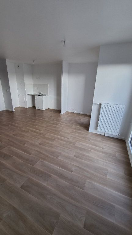 Appartement à louer 2 47m2 à Drancy vignette-2