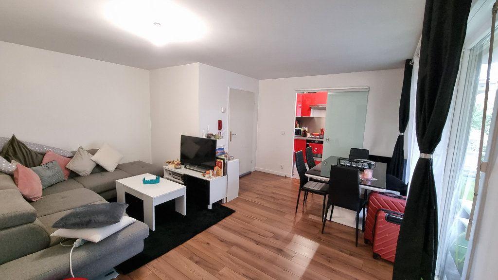 Appartement à louer 2 45m2 à Dugny vignette-1