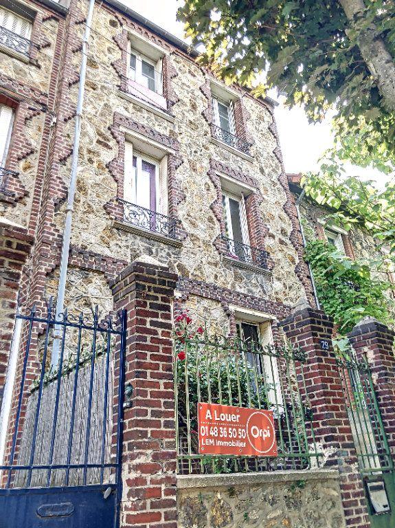 Appartement à louer 2 44m2 à Le Bourget vignette-1