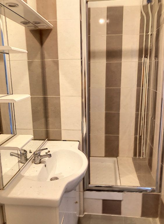Appartement à louer 2 44m2 à Le Bourget vignette-5