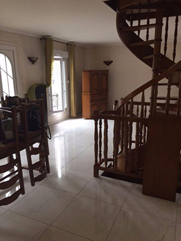 Maison à louer 5 90m2 à La Courneuve vignette-2