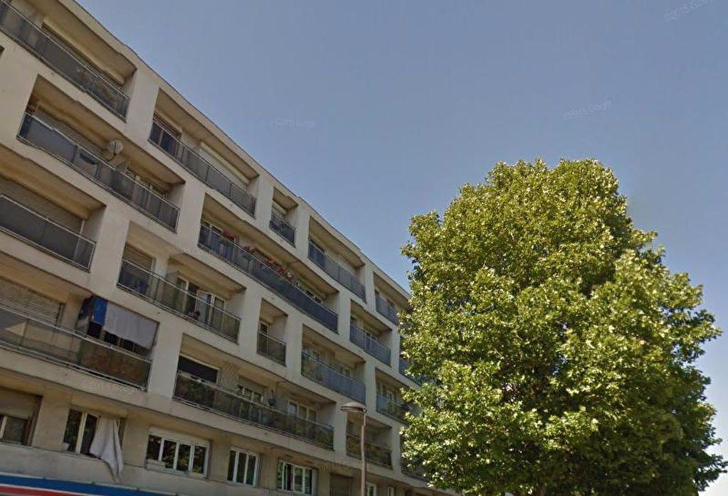 Appartement à louer 1 17m2 à Le Bourget vignette-4