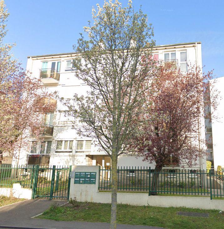 Appartement à louer 3 58m2 à Le Bourget vignette-1