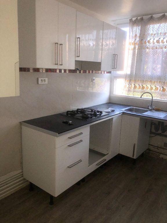 Appartement à louer 3 58m2 à Le Bourget vignette-3