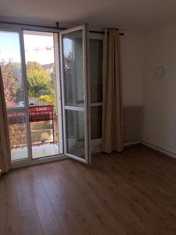 Appartement à louer 3 58m2 à Le Bourget vignette-4