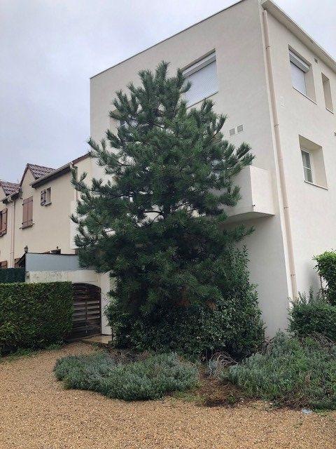 Appartement à louer 1 20m2 à Drancy vignette-1