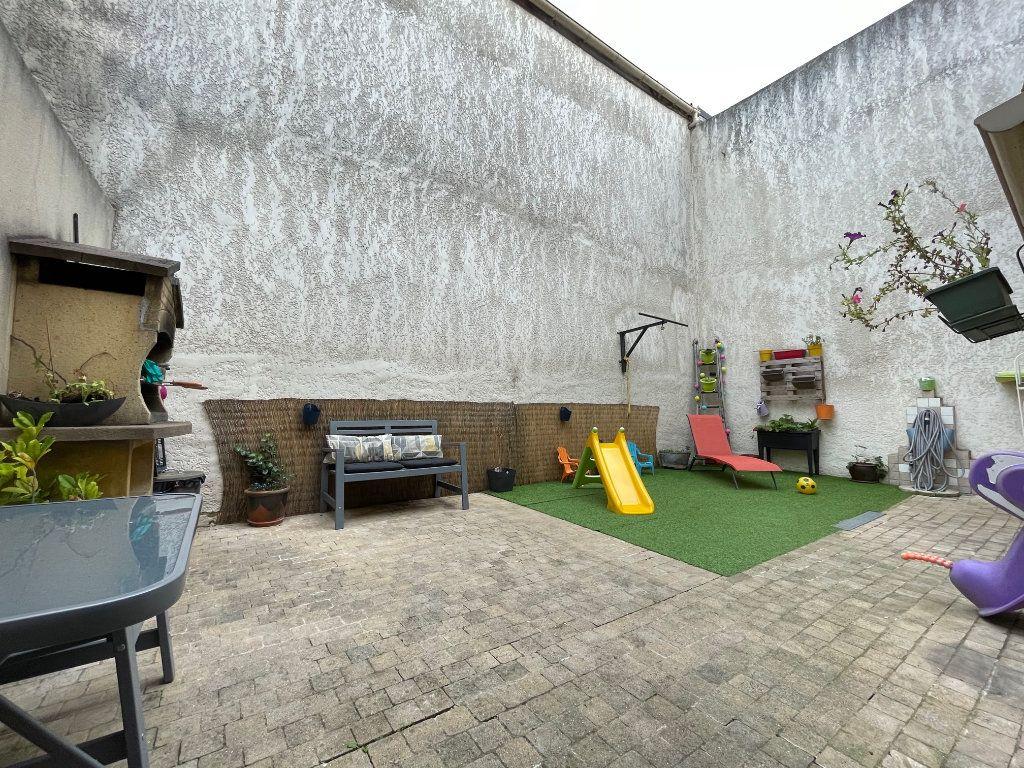 Maison à vendre 4 122m2 à Romainville vignette-5