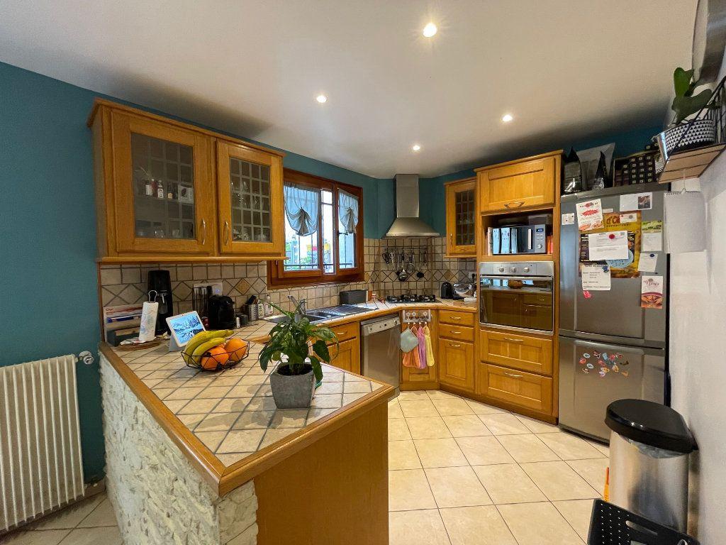 Maison à vendre 4 122m2 à Romainville vignette-8