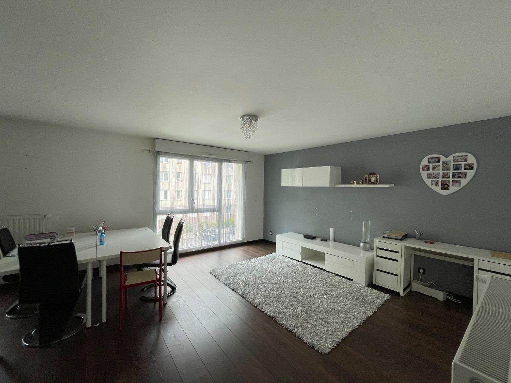 Appartement à vendre 3 60m2 à Romainville vignette-2