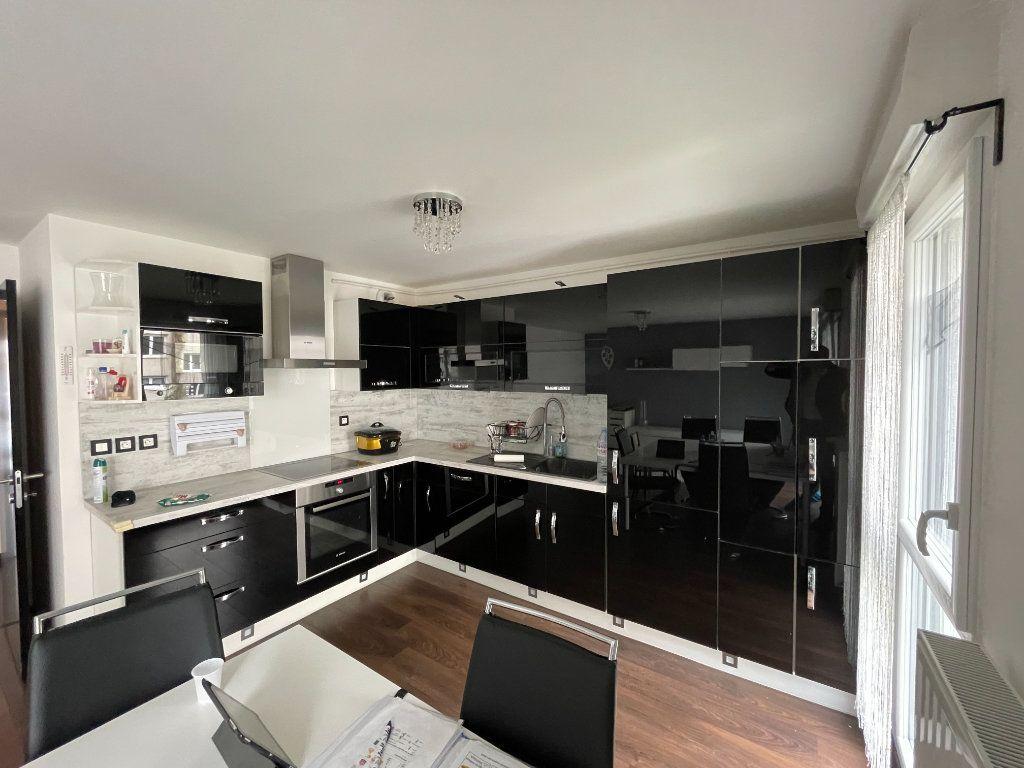 Appartement à vendre 3 60m2 à Romainville vignette-3