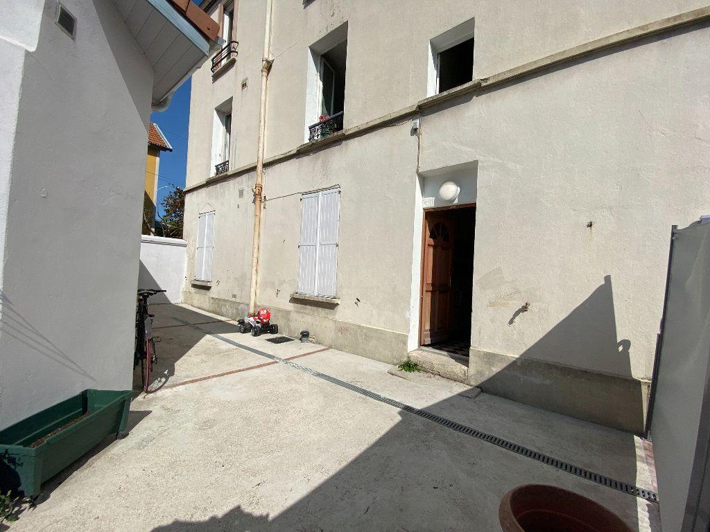 Appartement à vendre 2 26m2 à Bagnolet vignette-1