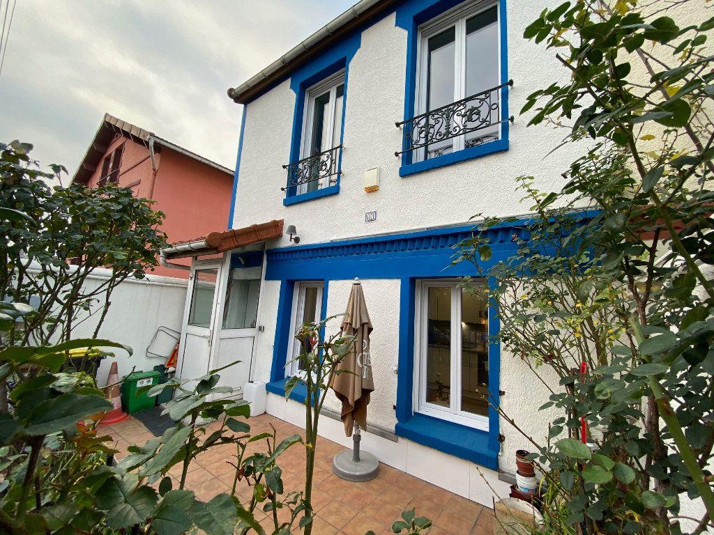 Maison à vendre 3 69m2 à Romainville vignette-1