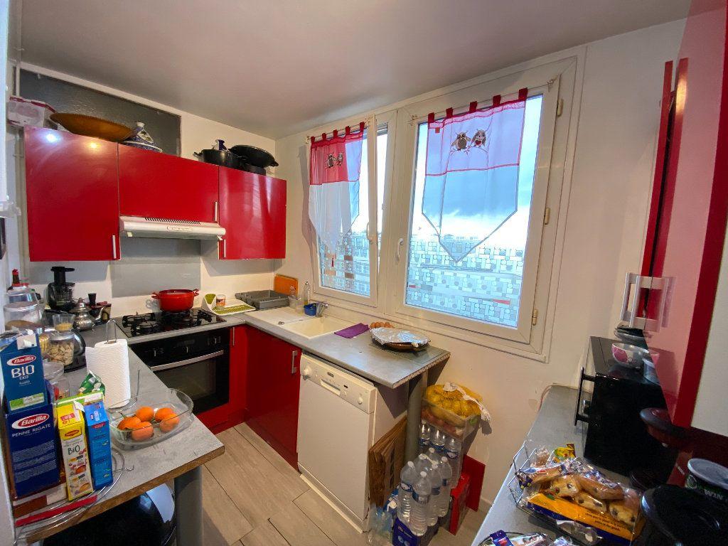 Appartement à vendre 4 73m2 à Romainville vignette-3