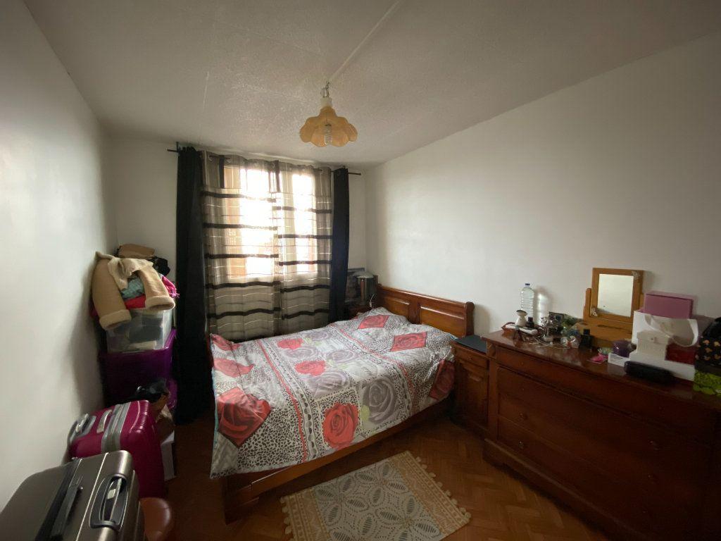 Appartement à vendre 4 73m2 à Romainville vignette-4