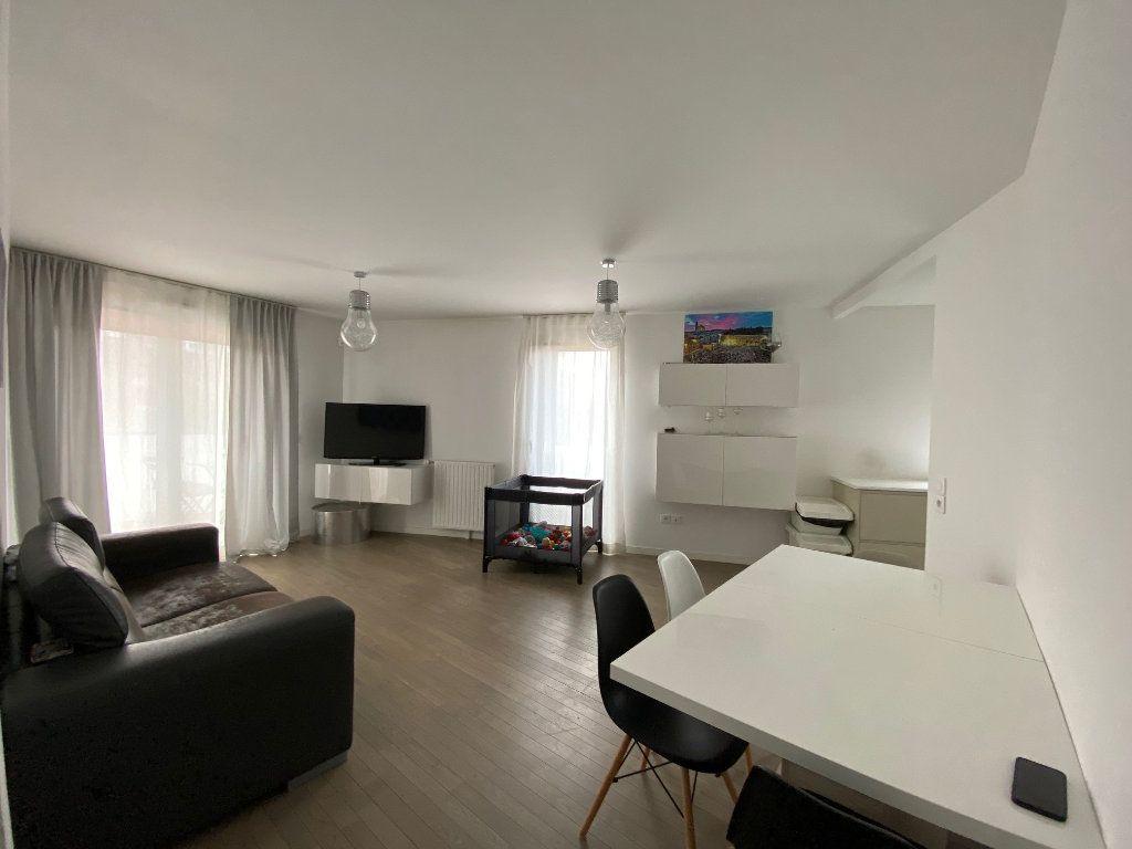 Appartement à vendre 4 79m2 à Romainville vignette-1