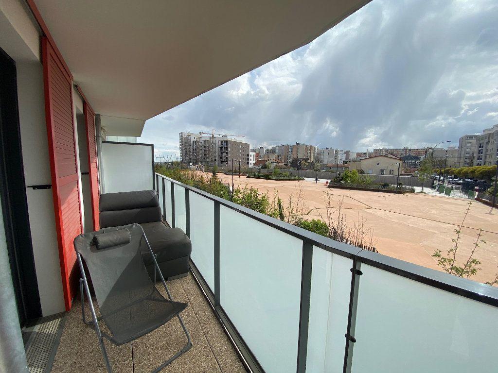 Appartement à vendre 4 79m2 à Romainville vignette-3