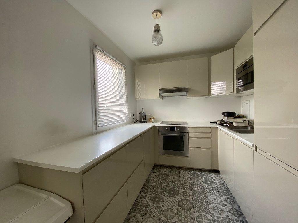 Appartement à vendre 4 79m2 à Romainville vignette-6