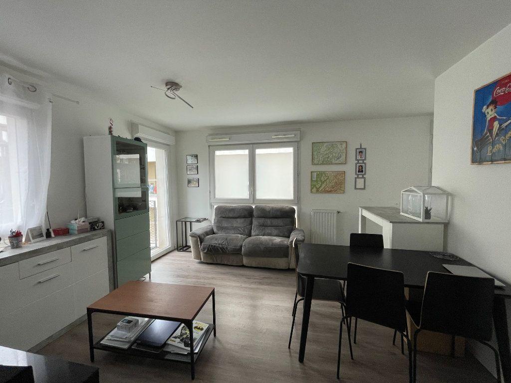 Appartement à vendre 3 61.44m2 à Romainville vignette-5