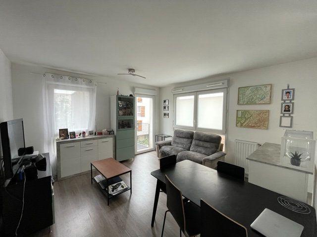 Appartement à vendre 3 61.44m2 à Romainville vignette-6