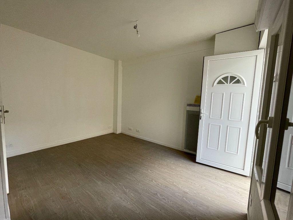 Appartement à vendre 1 17m2 à Paris 18 vignette-7