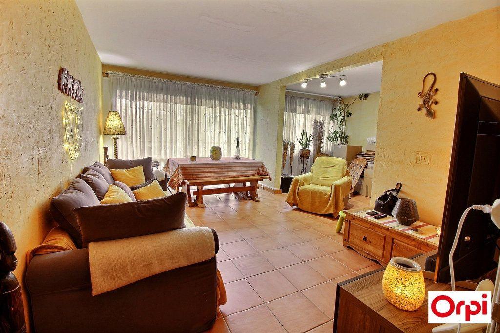 Appartement à vendre 4 74.79m2 à Ris-Orangis vignette-1