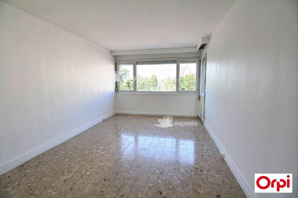 Appartement à vendre 3 60m2 à Ris-Orangis vignette-1