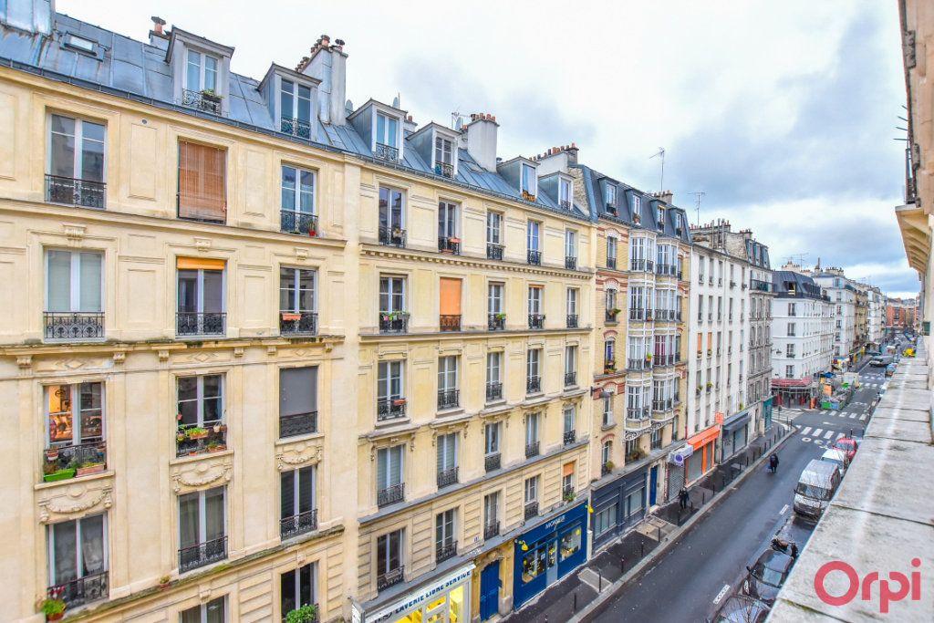 Appartement à vendre 2 26m2 à Paris 18 vignette-1