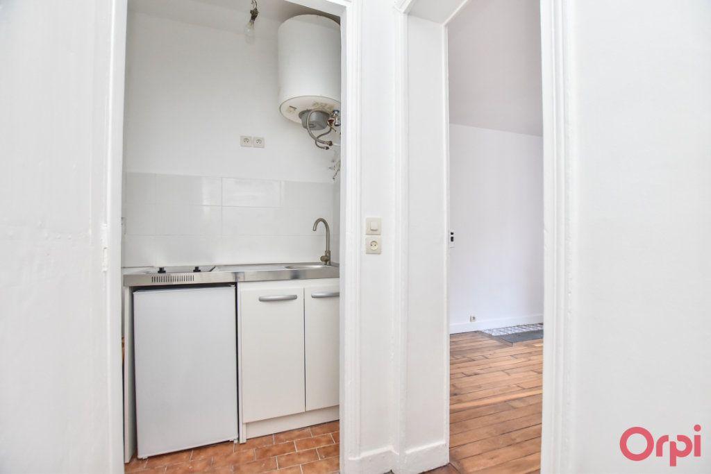 Appartement à vendre 2 26m2 à Paris 18 vignette-3