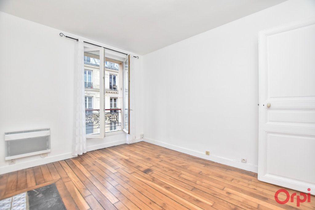 Appartement à vendre 2 26m2 à Paris 18 vignette-4