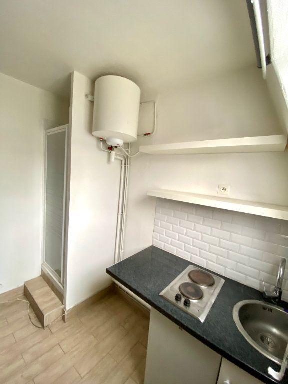 Appartement à vendre 1 7m2 à Paris 18 vignette-7
