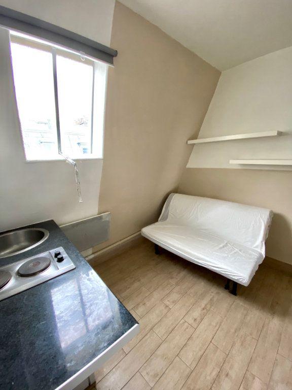 Appartement à vendre 1 7m2 à Paris 18 vignette-8