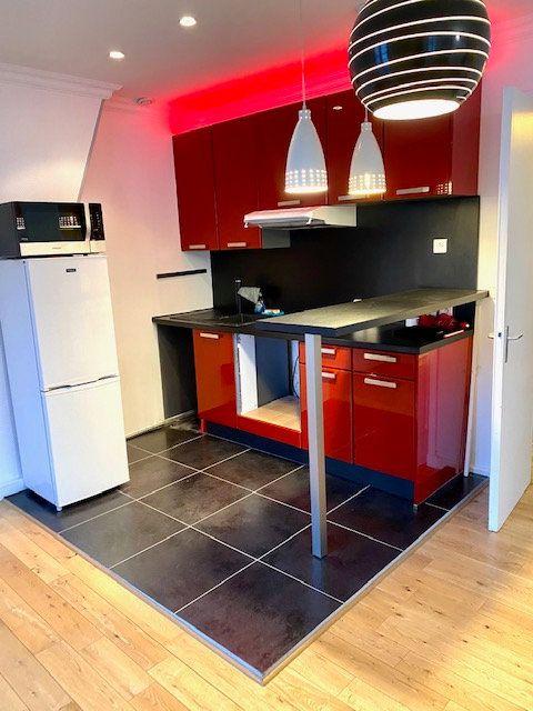 Appartement à vendre 1 34.2m2 à Paris 18 vignette-9