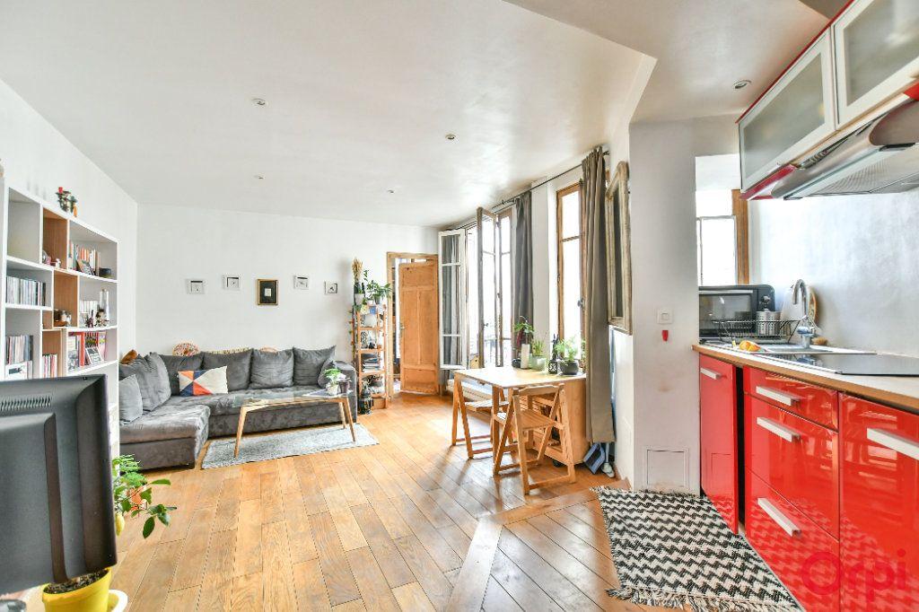 Appartement à vendre 2 40.05m2 à Paris 18 vignette-1