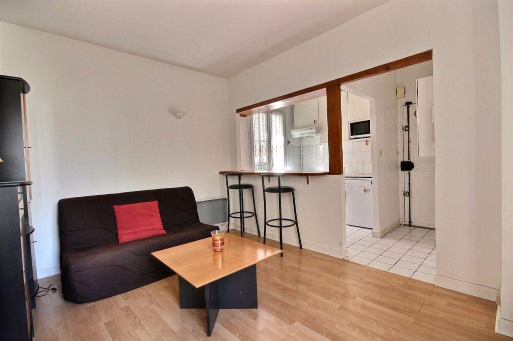 Appartement à louer 2 32m2 à Paris 14 vignette-2