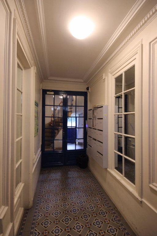 Appartement à louer 2 33m2 à Paris 14 vignette-5