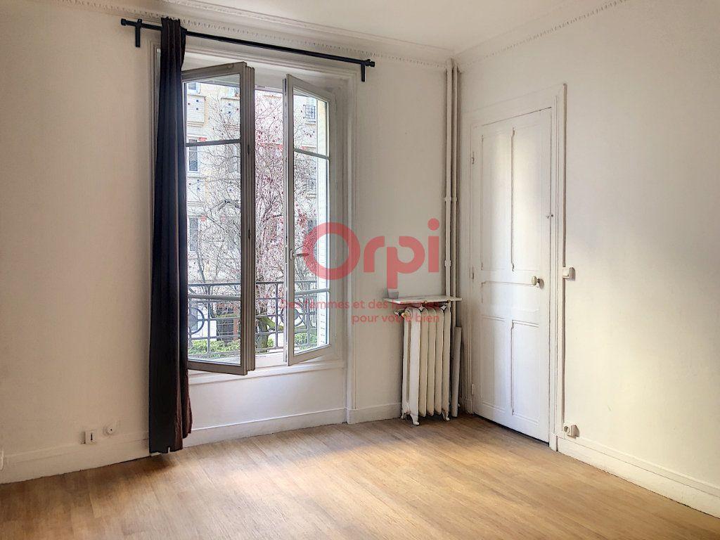 Appartement à louer 1 24.29m2 à Paris 14 vignette-1