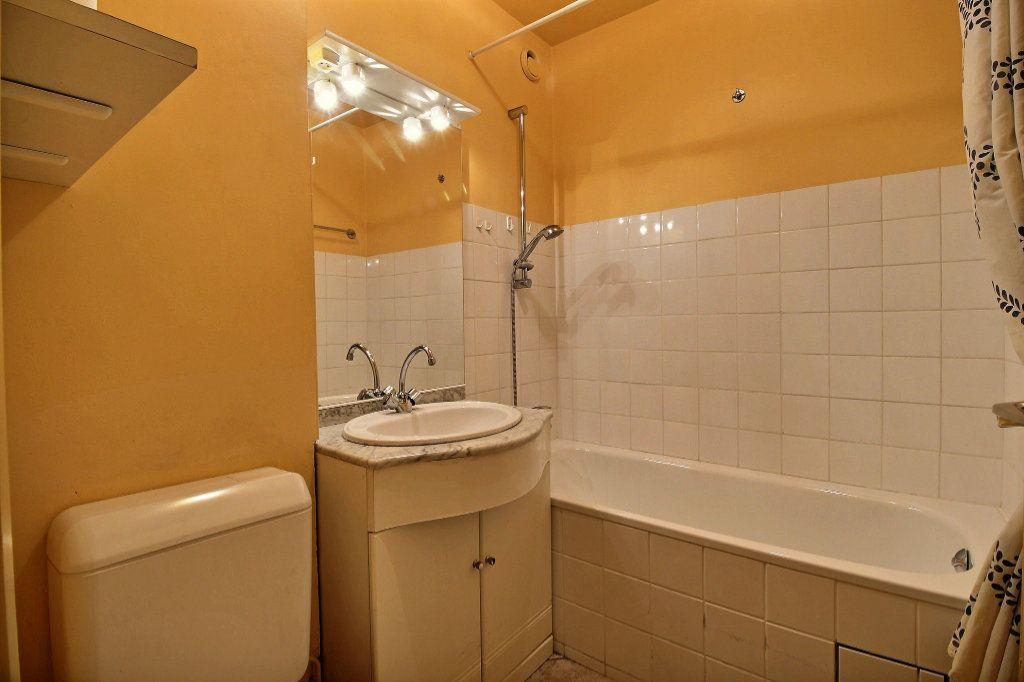 Appartement à louer 1 22m2 à Paris 14 vignette-4