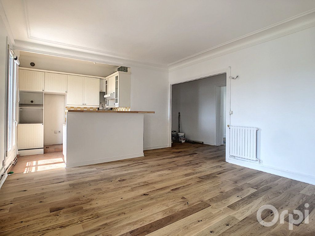 Appartement à louer 4 81.92m2 à Paris 14 vignette-2