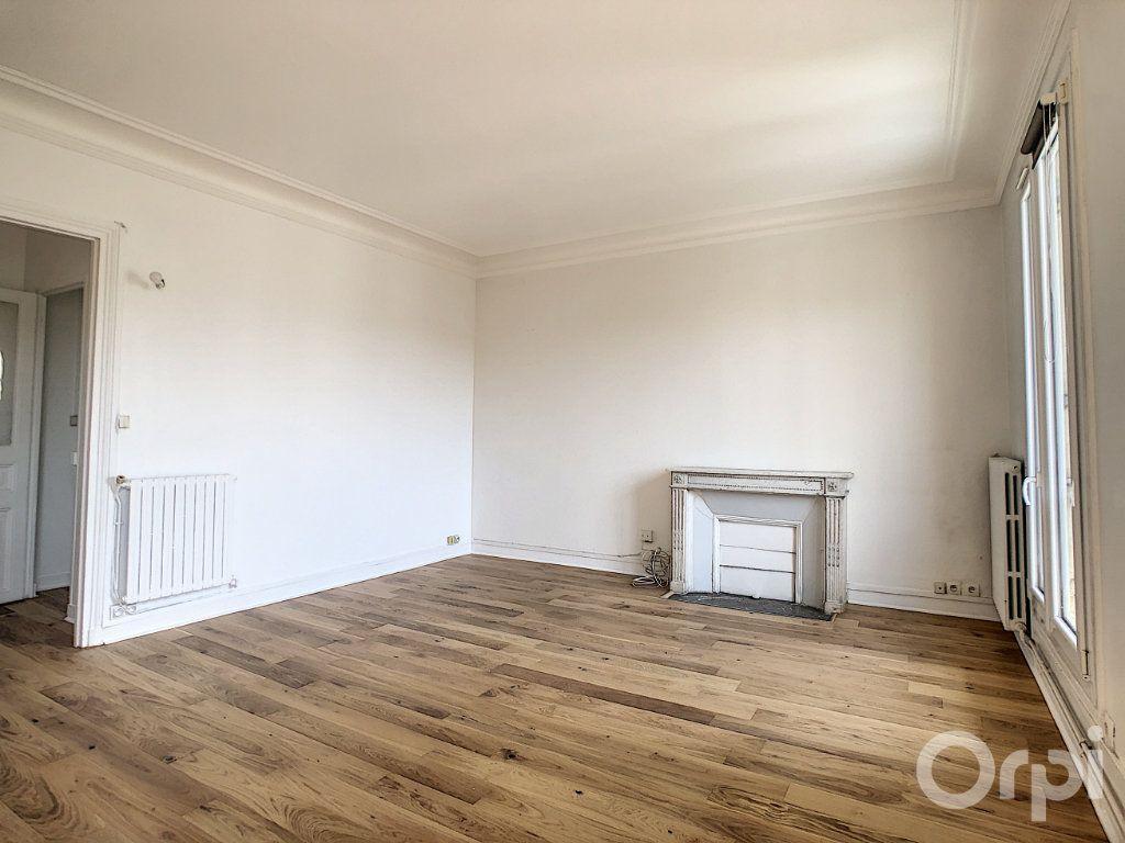 Appartement à louer 4 81.92m2 à Paris 14 vignette-3