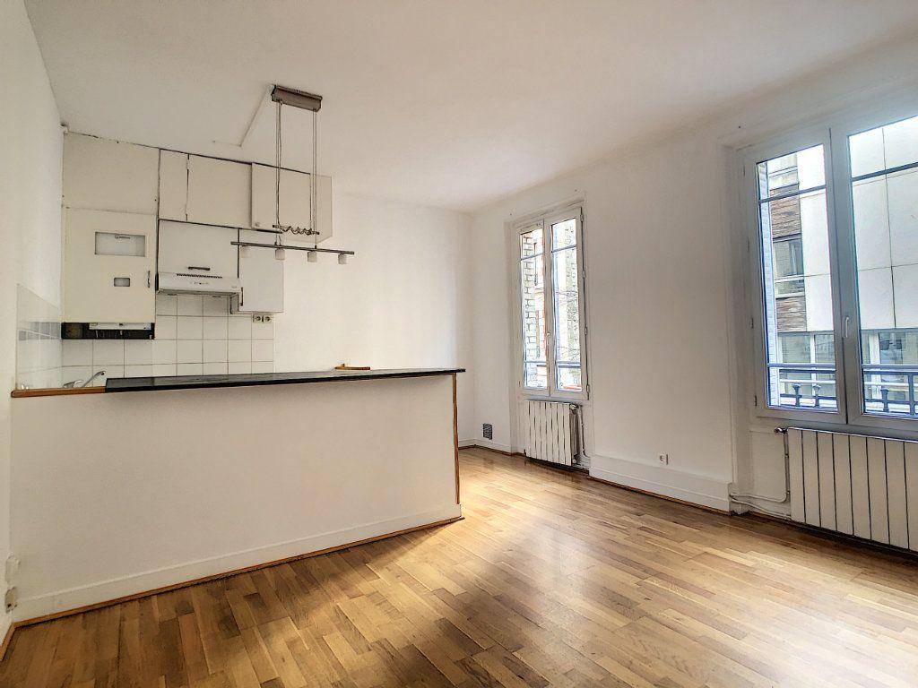 Appartement à louer 3 54m2 à Paris 14 vignette-1