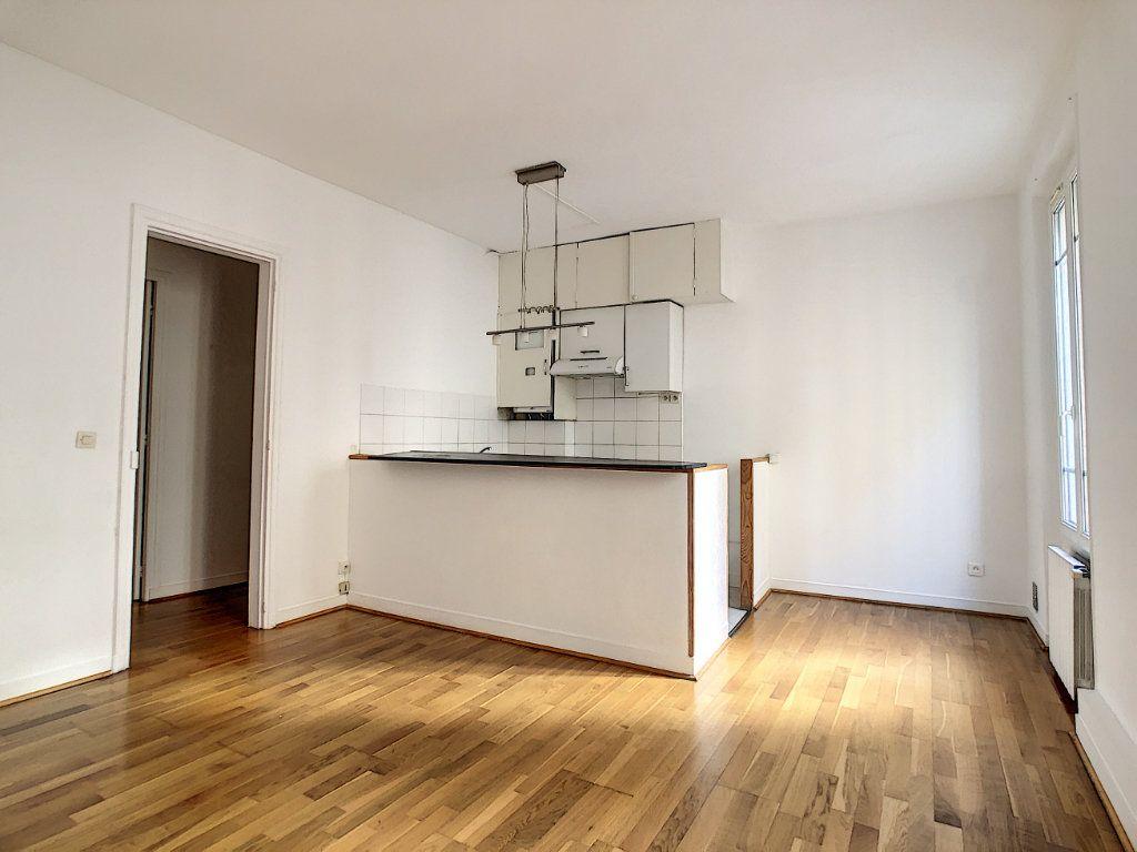 Appartement à louer 3 54m2 à Paris 14 vignette-2