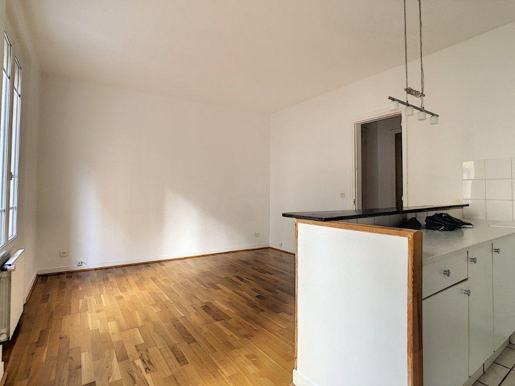 Appartement à louer 3 54m2 à Paris 14 vignette-3