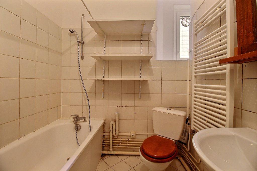 Appartement à louer 3 54m2 à Paris 14 vignette-6