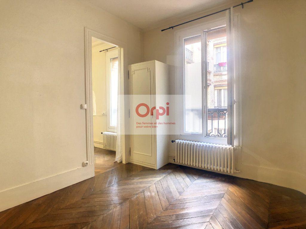 Appartement à louer 2 37m2 à Paris 15 vignette-2